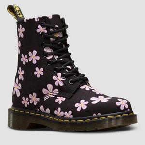 Dr Martens BLACK MEADOW FLOWERS T CANVAS size 5